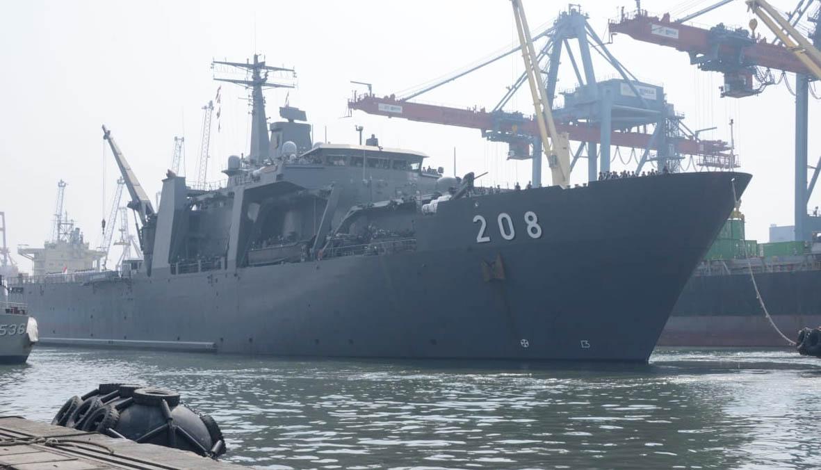 Kapal Perang AL Singapura Berkunjung ke Jakarta