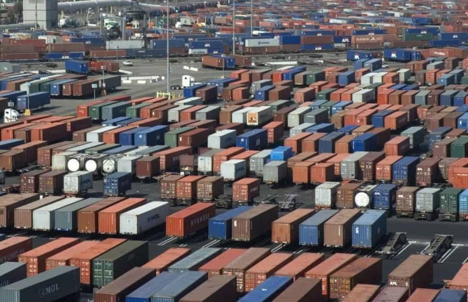 IMF Projects Global Trade Volume to Grow 8.3%, Indonesia Eyeing Export Growth by 6.3%