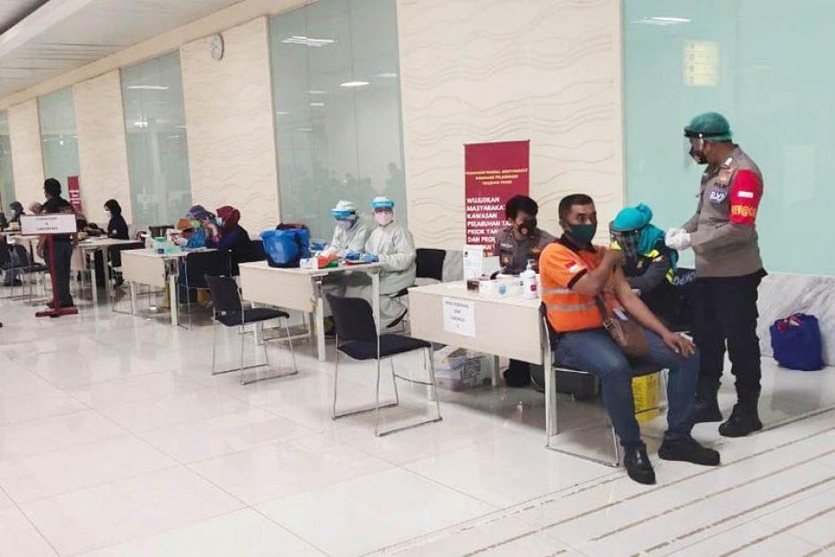 Target 10,000 Orang, Vaksinasi di Pelabuhan Priok Berlangsung Selama 10 Hari