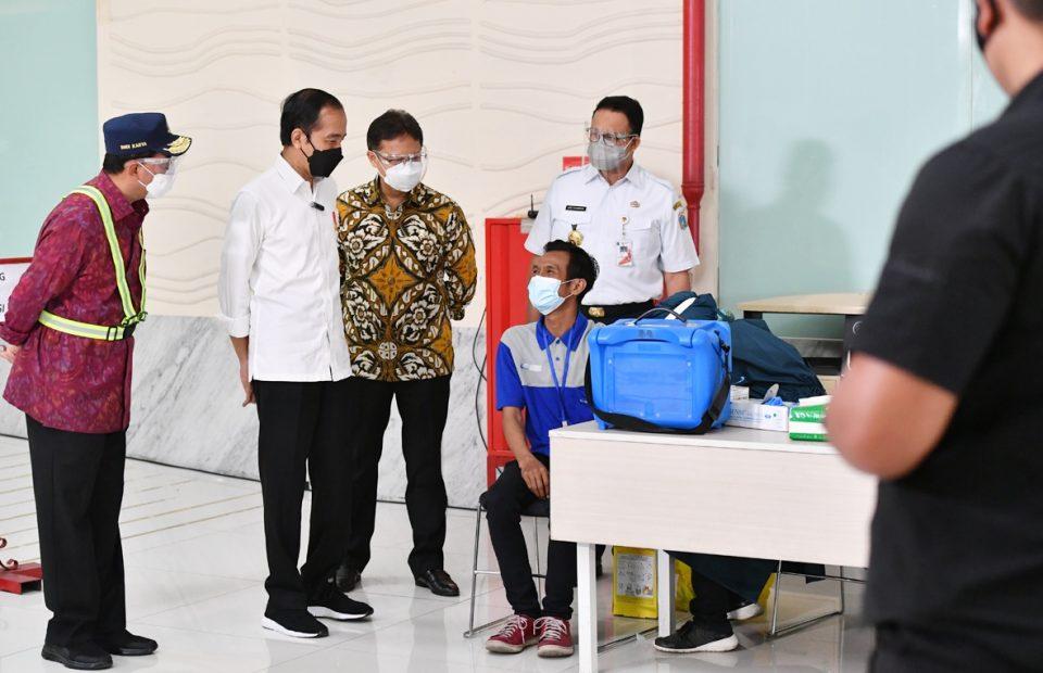 Percepat Program Vaksinasi, IPC Dukung Penuh Vaksinasi Massal di Area Pelabuhan Priok