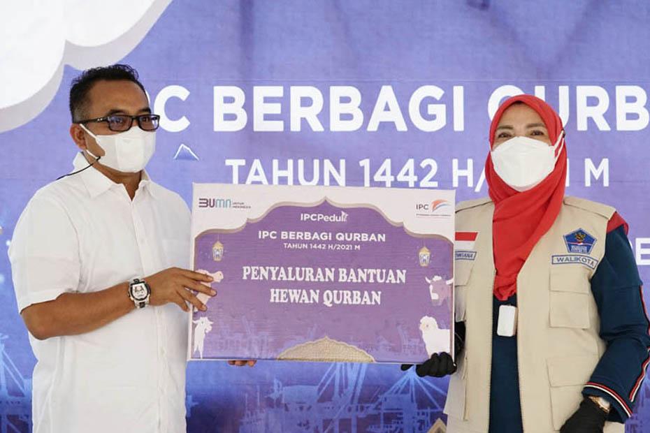 Rayakan Idul Adha 1442 H, IPC Group Bagikan Ratusan Hewan Kurban